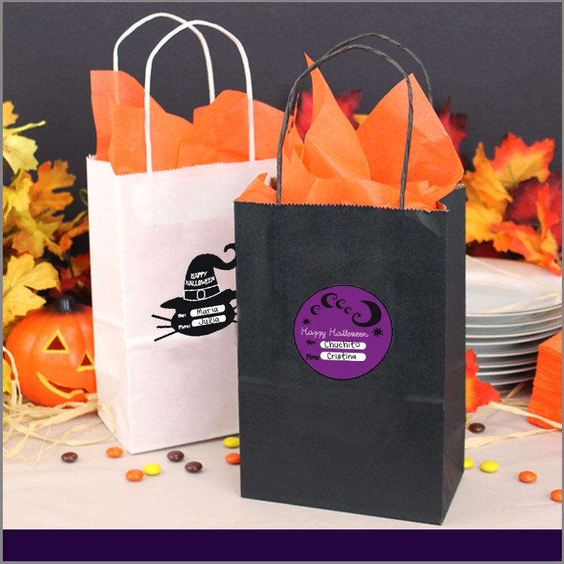 Etiquetas para Regalos de Halloween Circulares Color Negro y Morado con Figura de Sombrero