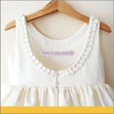 Etiqueta Personalizada para Vestido Blanco De Niños